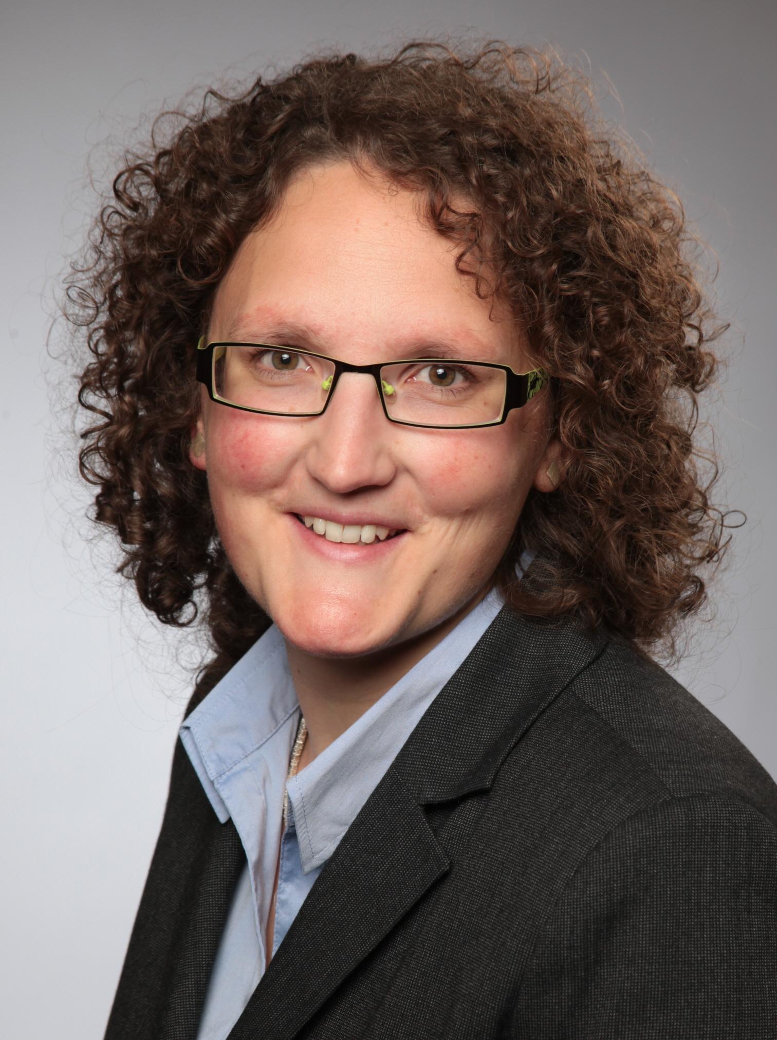 Dr. Angela Gubelt